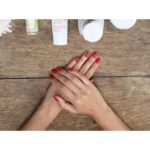 {:fr}Comment enlever son vernis avec du dissolvant ?{:}{:en}How to use Nail Polish Remover?{:}