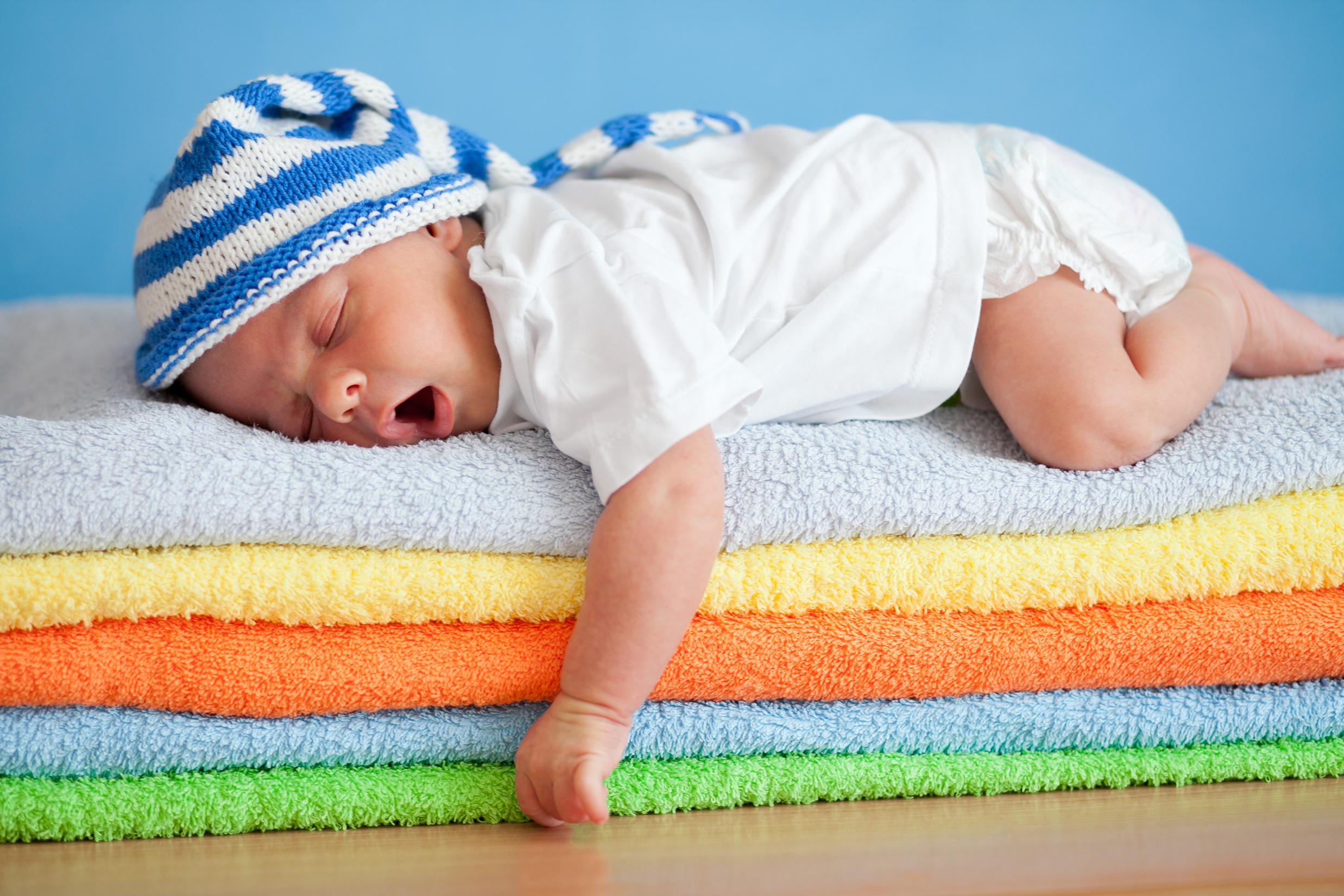 dormir comme un bébé permet de régénérer sa peau : astuce de beauté