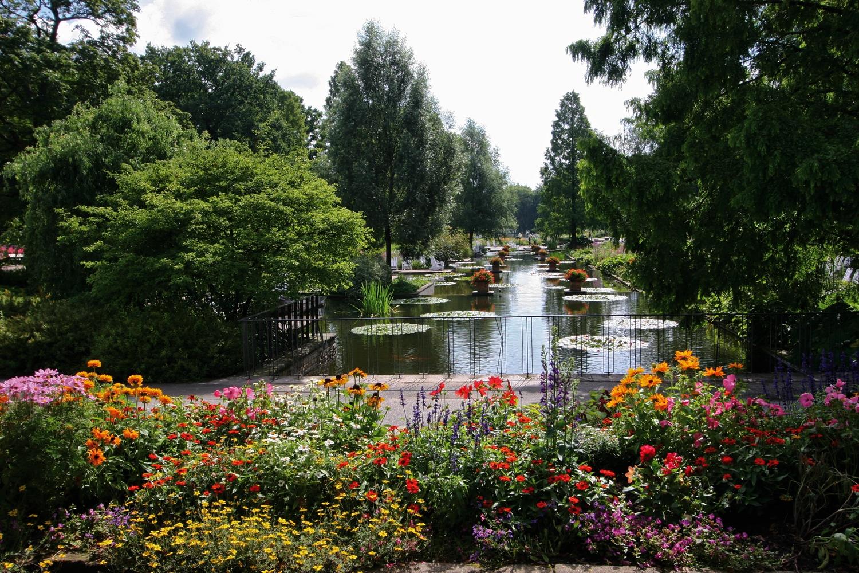 balade fleurie dans le parc planten un blomen au centre de Hamburg