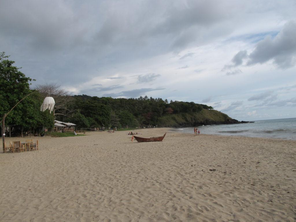 plage sauvage de l'île de Koh Lanta