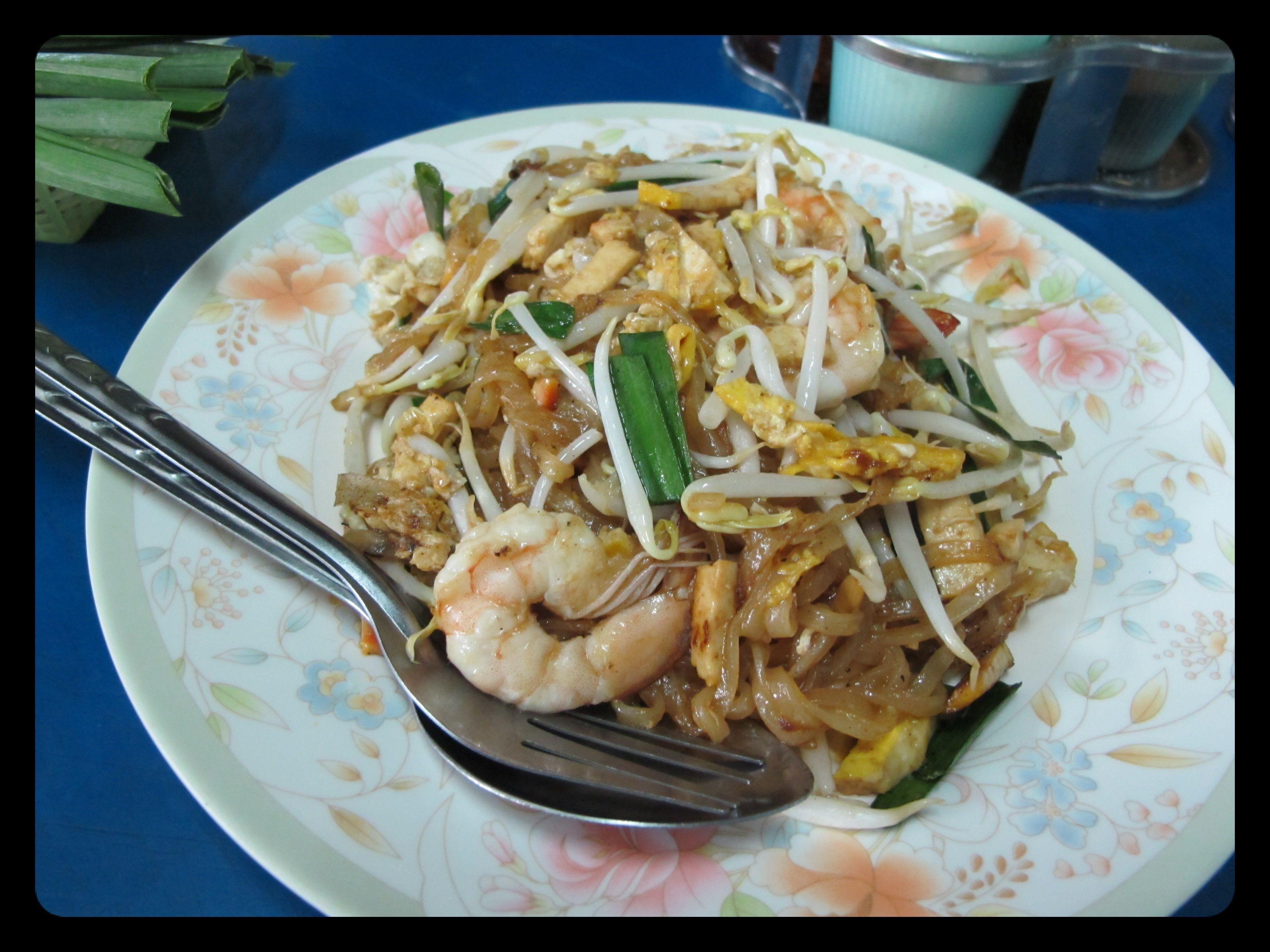 Spécialité de la cuisine thaïlandaise : le padthai aux crevettes